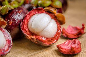 Die Mangostan-Frucht wird auch als Königin der Früchte bezeichnet.
