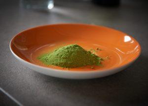 Moringa ist bekannt als die nährstoffreichste Pflanze der Welt.