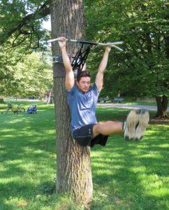 Beinheben: Eine beliebte Bauchmuskel Übung für die Klimmzugstange