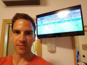 Beim Eröffnungsspiel der Fußball EM 2016 habe ich mein Fußballfitness System das erste mal ausprobiert - es hat Spaß gemacht. :-)