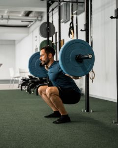 Kniebeuge, schwere Gewichte