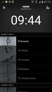 Was aus dem Workout Hades wird, wenn du 2x2 aktivierst, siehst du hier - die Sprints werden durch Jumping Jacks ersetzt