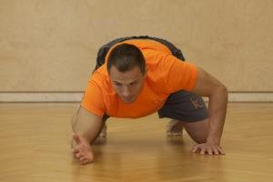 Ausgangsposition Kimura Drill für mehr Beweglichkeit im Schultergelenk.