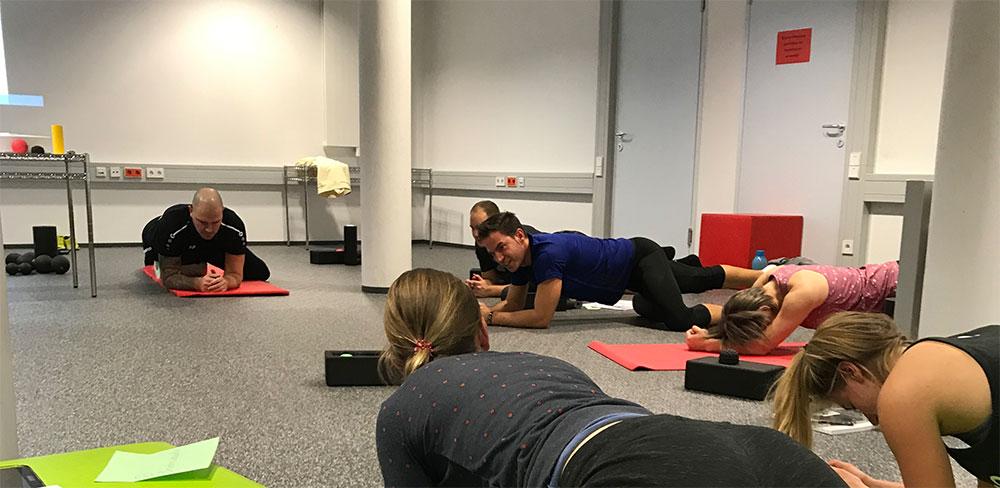 Blackroll Training Ausbildung Teilnehmer Faszienmassage