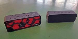 Die beiden Bluetooth Boxen von Inateck bzw. Anker durften im Turnsaal gegeneinander antreten.
