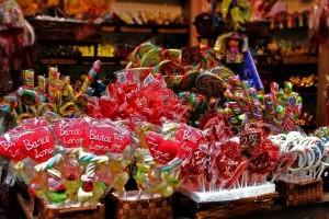 Heißhunger auf Süßes, Würziges oder Fettiges ist weiter verbreitet als du denkst.