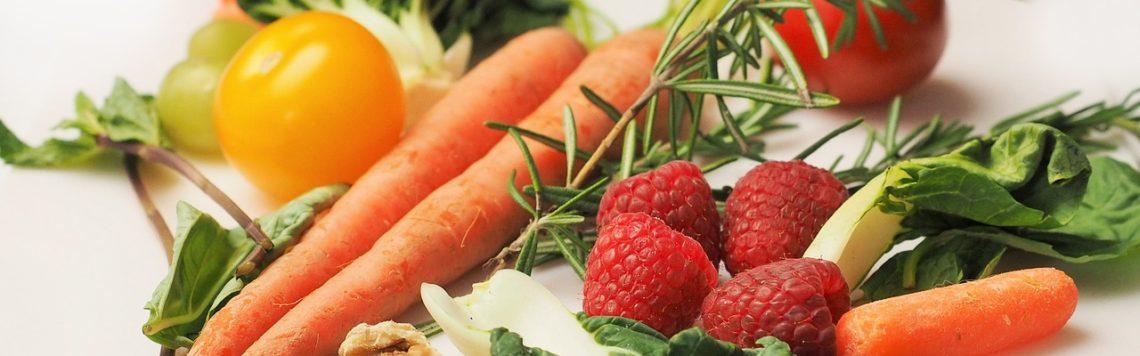 Eine der populärsten Ernährungsformen: Vegan oder vegetarisch leben.