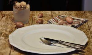 Beim Intermitted Fasting bleibt der Teller manchmal leer. ;-)