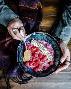 Auch eine weizen- und zuckerfreie vegane Ernährung kann lecker sein. Lass dich auf das Experiment ein!