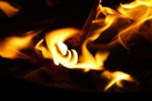 Mit HIIT nutzt du den Nachbrenneffekt optimal aus und erhöhst deine Fettverbrennungskapazitäten.