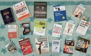Lesen bildet. Die 10 Fitnessbücher, die ich dir in diesem Artikel vorgestellt habe, können noch mehr: Sie verändern!