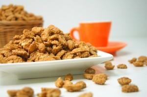 Achte darauf, unbehandelte Nüsse zu kaufen. Die hier sehen zwar lecker aus, haben aber auch eine schöne Portion Weizen und Zucker intus.