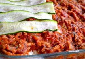 Eine super leckere Hauptspeise ist die Zucchini Lasagne.