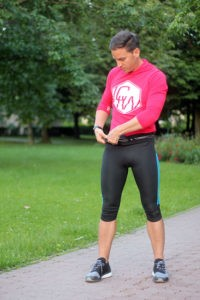 Laufzeug anziehen und loslegen - die rhythmische Bewegung hilft gegen den Kreuzschmerz.