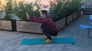 Die Kniebeuge - eine der besten Muskelaufbau Übungen ohne Geräte
