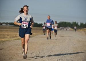Bei Wettkämpfen mit zu machen ist sehr motivierend. Der Klassiker: Laufen.