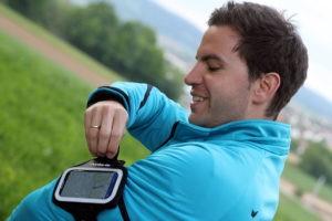 Mit Runtastic und den anderen hier aufgelisteten Apps kannst du deine Fitness positiv beeinflussen.