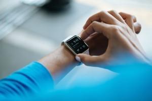 Eine Smartwatch ist ein cooles Gadget, das viel mehr kann, als nur Schritte zählen.