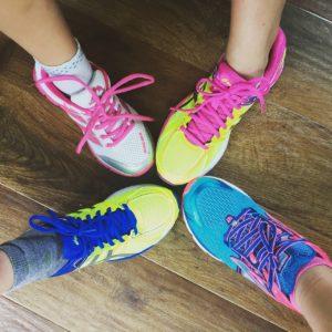 Mehr Motivation hast du, wenn ihr gemeinsam mit dem Laufen beginnen könnt.