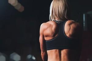 Kehre Ausreden den Rücken zu und lasse dein Training niemals an zwei aufeinanderfolgenden Tagen ausfallen!
