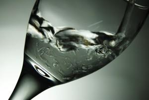 Wasser bildet das Fundament der Ernährungspyramide - zu Recht!